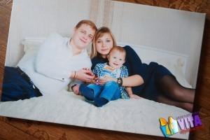 Печать фото на холсте семейный