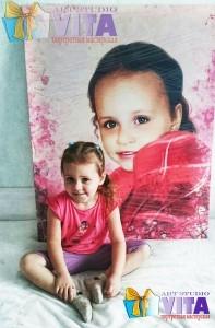 Портрет девочки на холсте