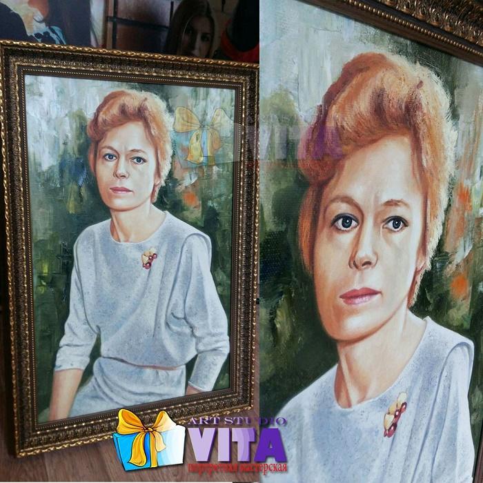 Портрет маслом женщина в раме